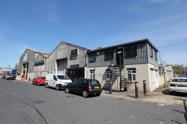 Thumbnail Industrial to let in Unit 2, Medina House, Manor House Avenue, Millbrook, Southampton