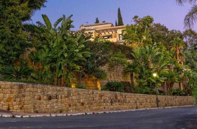 Thumbnail Villa for sale in El Rosario, Marbella, Andalucia, Spain