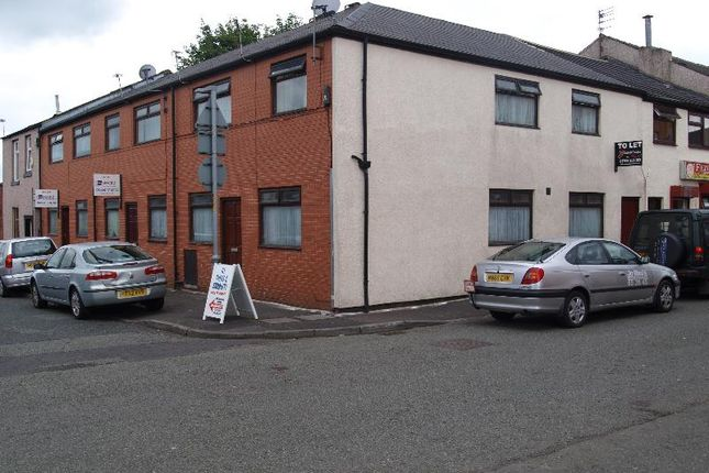 Thumbnail Flat to rent in Henry Street, Deeplish, Rochdale