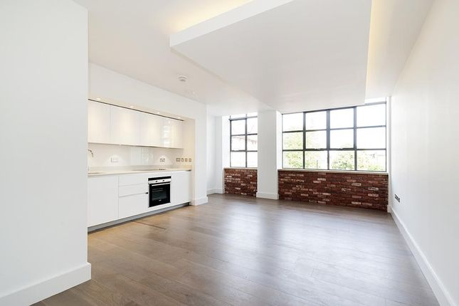 Thumbnail Flat to rent in Textile Building, Chatham Place, Hackney, London