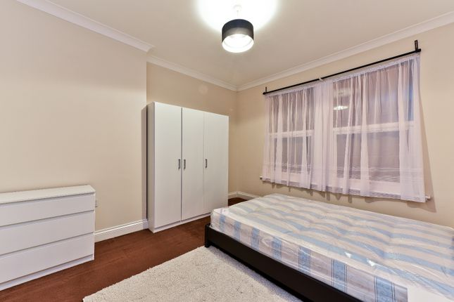 Thumbnail Flat to rent in Mcleod Road, Abbey Wood