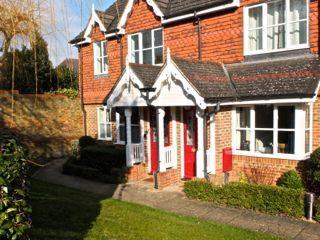 Thumbnail Property to rent in Alston Gardens, Maidenhead, Berkshire