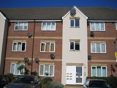 1 bed flat to rent in Fenman Gardens, Goodmayes, Ilford
