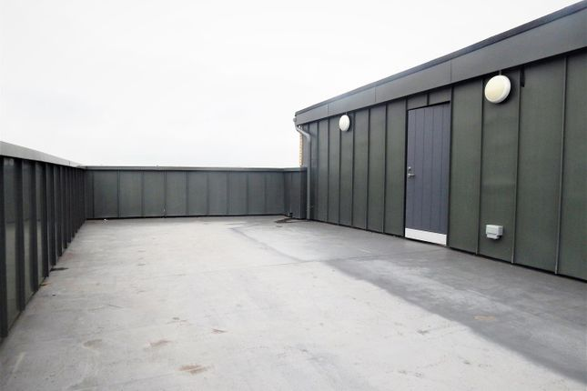 Roof Terrace of Station Approach South, Welling DA16