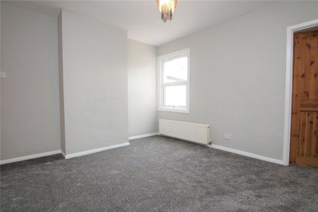 Picture No. 01 of Garnet Street, Reading, Berkshire RG1