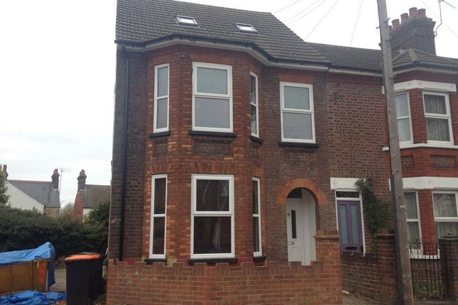 Thumbnail Flat to rent in West Parade, Dunstable