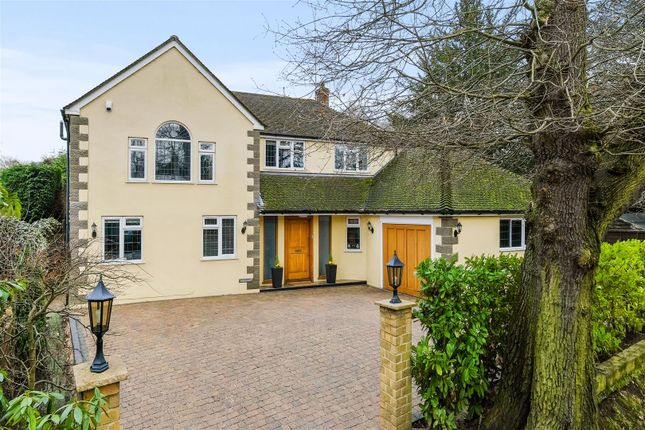 Thumbnail Detached house for sale in Dartnell Avenue, West Byfleet