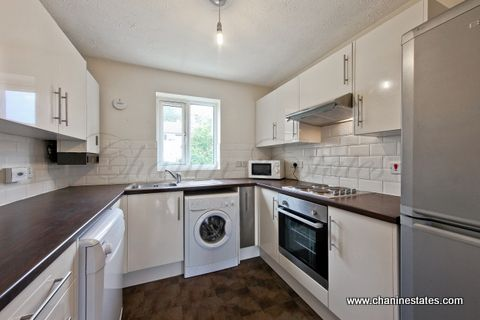 Thumbnail Town house to rent in Cahir Street, Docklands, London