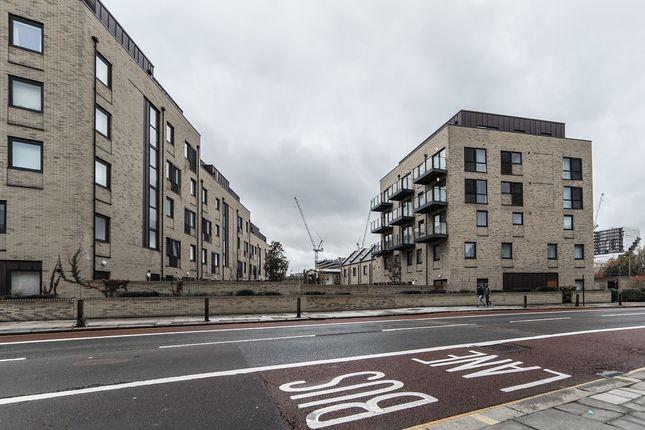 Thumbnail Flat to rent in Blackwall Lane, London
