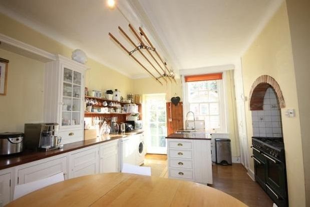 Thumbnail Terraced house to rent in St. Pancras, Chichester