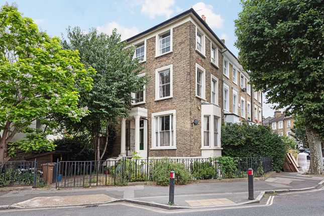 Thumbnail End terrace house to rent in Lauriston Road, London