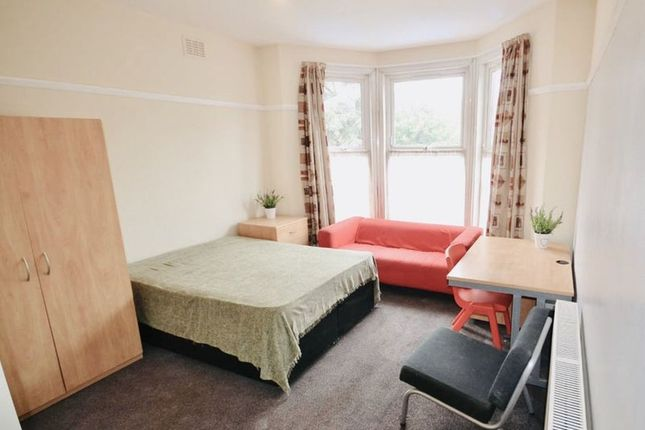 Thumbnail Shared accommodation to rent in Barras Lane, Coventry