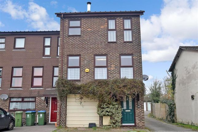 4 bed end terrace house for sale in Cleveland Drive, Fareham, Hampshire PO14