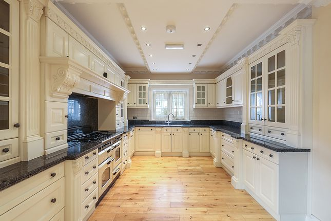 Thumbnail Detached house to rent in Avondale Road, Bromley