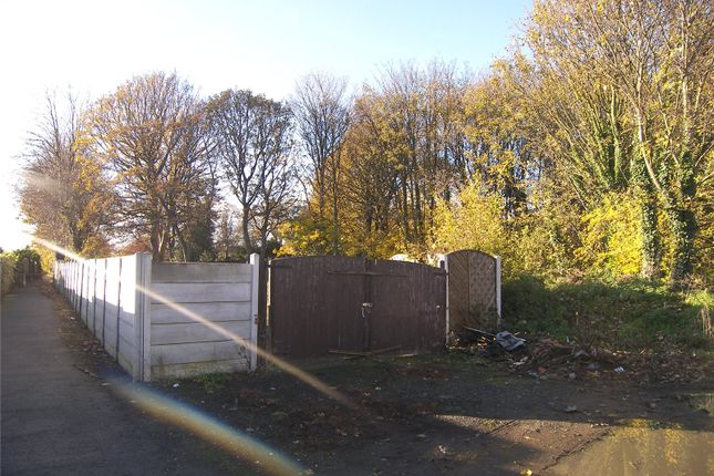 Picture No. 04 of To Rear Of 94 Highfield Avenue, Leeds, West Yorkshire LS12