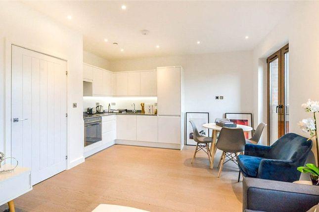 Thumbnail Flat for sale in Grosvenor Road, St. Albans, Hertfordshire