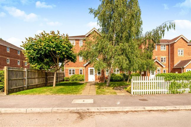 Thumbnail Flat for sale in Woodfield Road, Thames Ditton