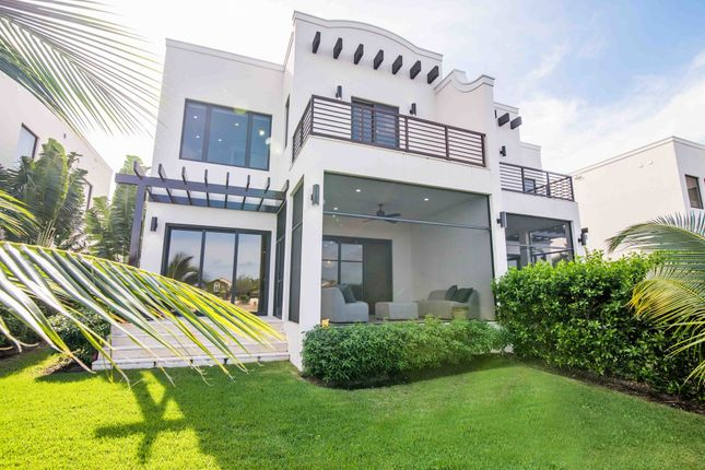 Thumbnail Town house for sale in West Bay, 912, Cayman Islands
