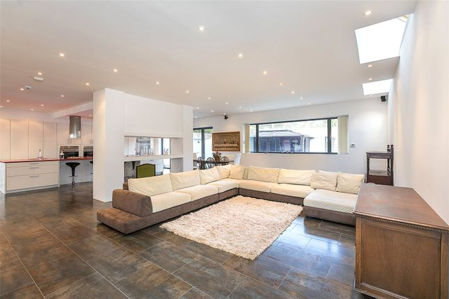 Thumbnail Detached house to rent in Wise Lane, London