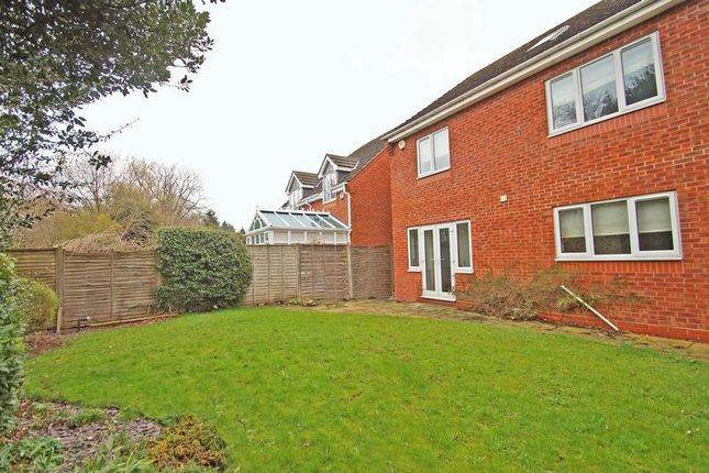 Photo 19 of Eliza Gardens, Catshill, Bromsgrove B61