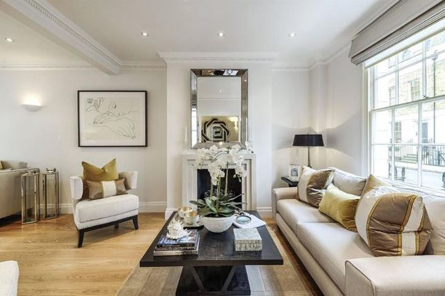 Town house to rent in Bell Street, Marylebone, London