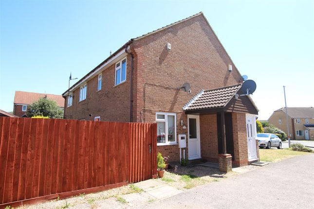 Thumbnail Property to rent in Mill Meadow, Kingsthorpe, Northampton
