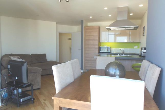 1 bed flat to rent in Vertex Tower, Harmony Place, Greenwich