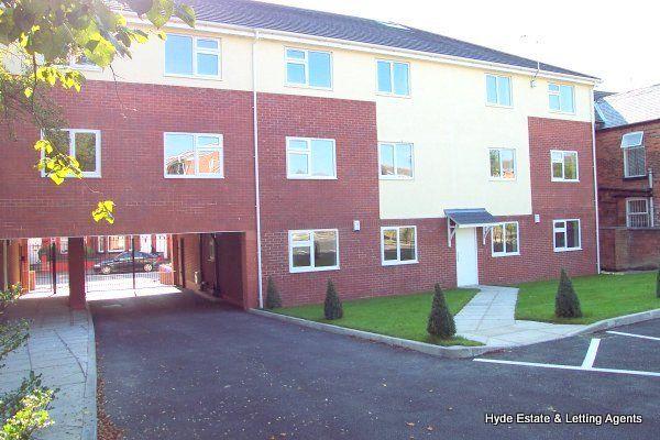 Thumbnail Flat to rent in Ashley Lane, Manchester