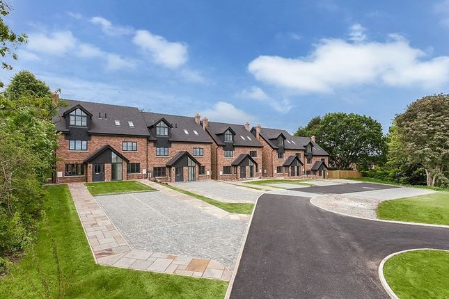Thumbnail Town house for sale in Windsor Place, Congleton