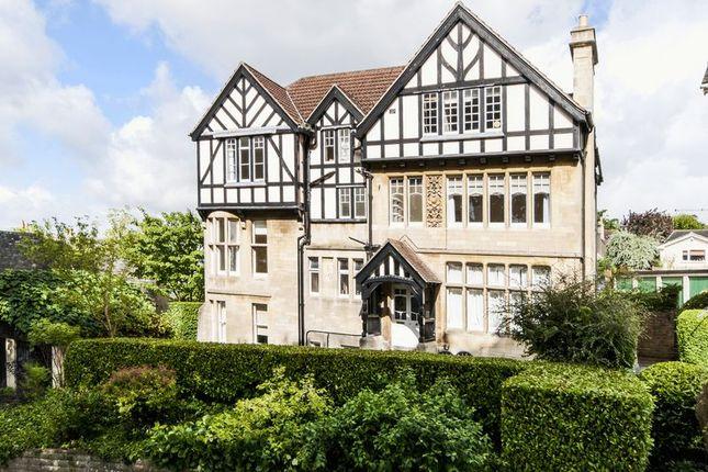 Thumbnail Flat to rent in Lansdown Grove, Bath