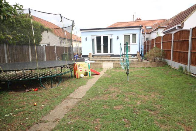 Picture No. 03 of York Avenue, Corringham, Essex SS17