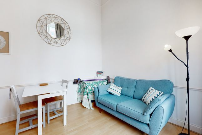 Thumbnail Flat to rent in 1-7 Clapham Road, London