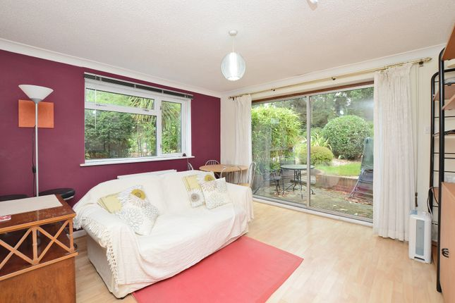 Thumbnail Flat to rent in Parkway, Camberley
