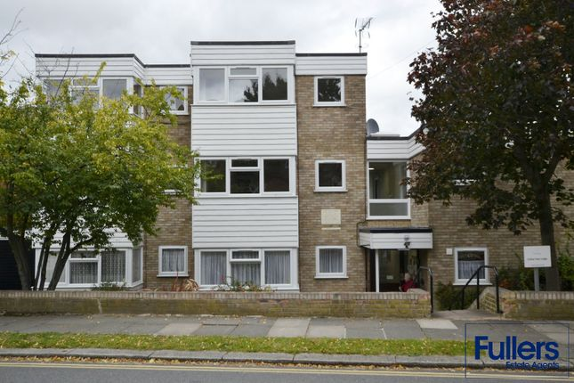 Thumbnail Flat to rent in Paulin Drive, Winchmore Hill