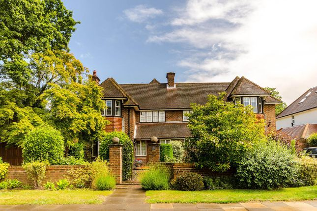 Thumbnail Detached house to rent in Ashcombe Avenue, Surbiton