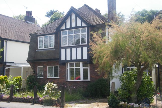 Thumbnail Detached house to rent in Monks Walk, Reigate