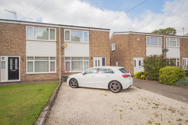 2 bed semi-detached house to rent in Truro Close, Hull HU7