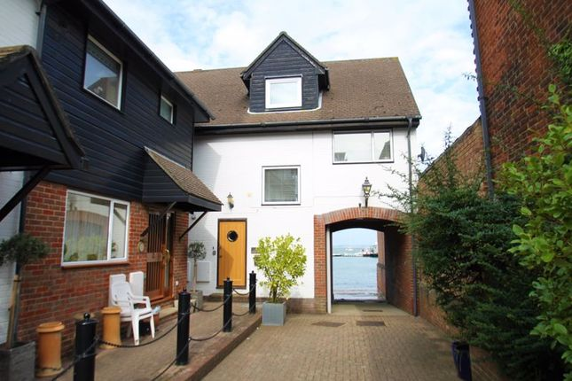 Thumbnail Property to rent in Birmingham Road, Cowes
