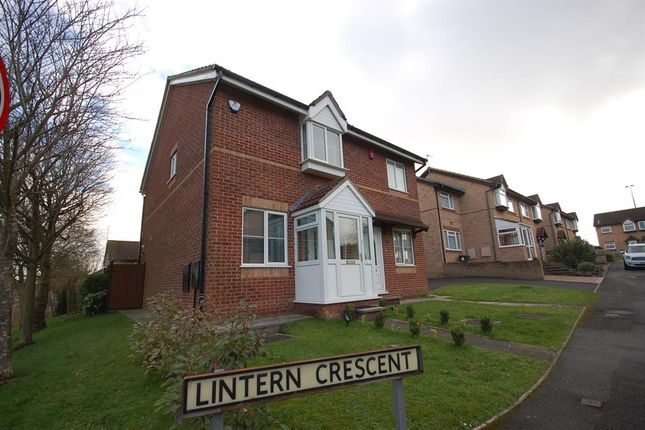 2 bed semi-detached house to rent in Lintern Crescent, Bristol