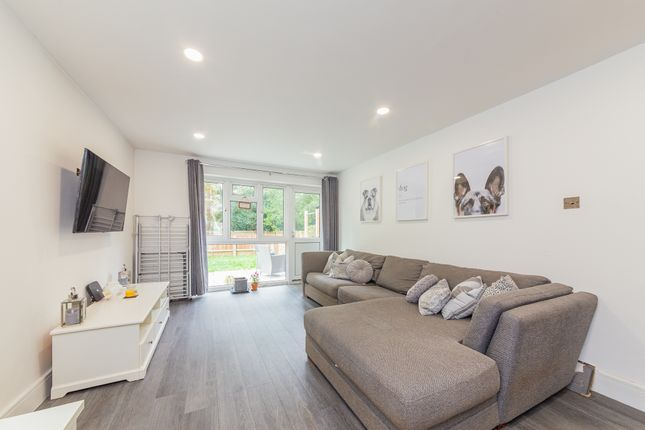 2 bed flat for sale in Highview Crescent, Camberley, Surrey GU15