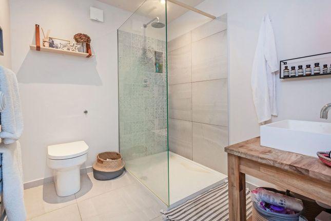 Shower Room of Battersea Rise, Clapham Junction / Battersea SW11
