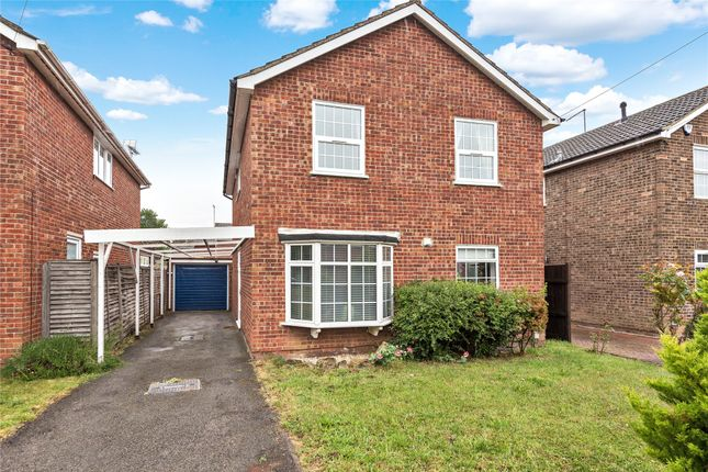 Thumbnail Detached house to rent in Barn Drive, Maidenhead, Berkshire