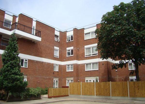 Thumbnail Maisonette to rent in Canrobert Street, London