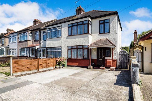 Thumbnail Terraced house for sale in Ferndale Road, Romford