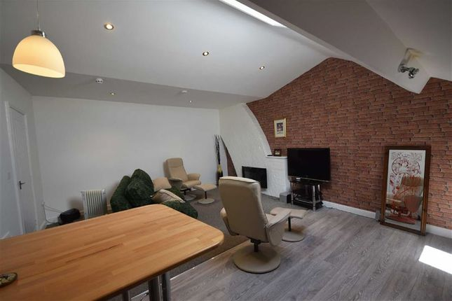 Thumbnail Flat to rent in Station Road, Preston, Lancashire