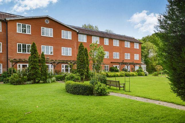 2 bed flat for sale in Chapel Road, Hothfield, Ashford