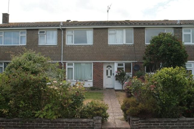 Thumbnail Flat to rent in Norfolk Gardens, Littlehampton