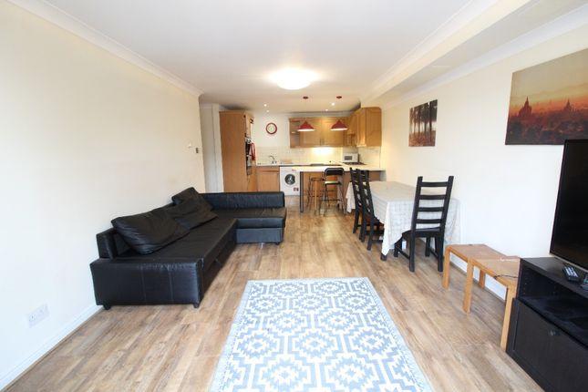 2 bed flat to rent in Davigdor Road, Brighton BN3