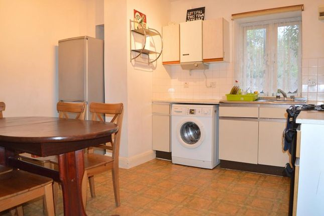 Thumbnail Flat to rent in New North Road, London