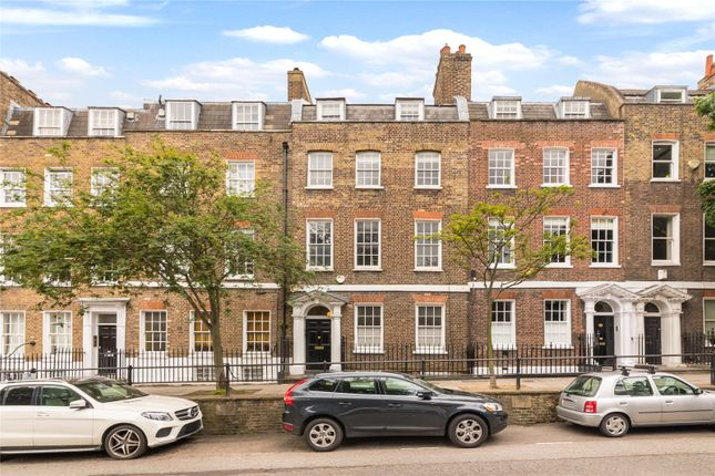 Thumbnail Terraced house for sale in Cross Street, Islington, London